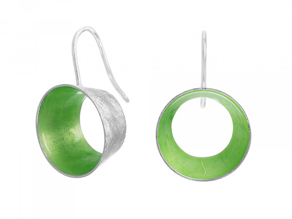 """10 Design Schmuck aus Emaille Ohrhänger Lichtung Silber Grasgrün 600x450 - Ohrhänger """"Lichtung"""" mit farbiger Emaille (Farbauswahl)"""