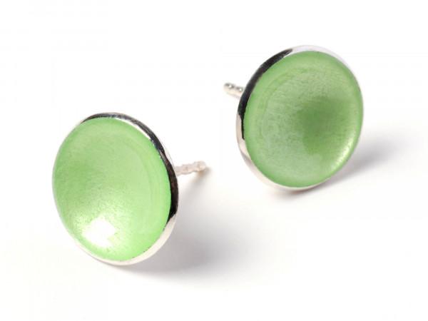 """7 Design Schmuck aus Emaille Ohrstecker Punkt Hellgrün Silber 600x450 - Ohrstecker """"Punkt"""" mit hellgrüner Emaille"""