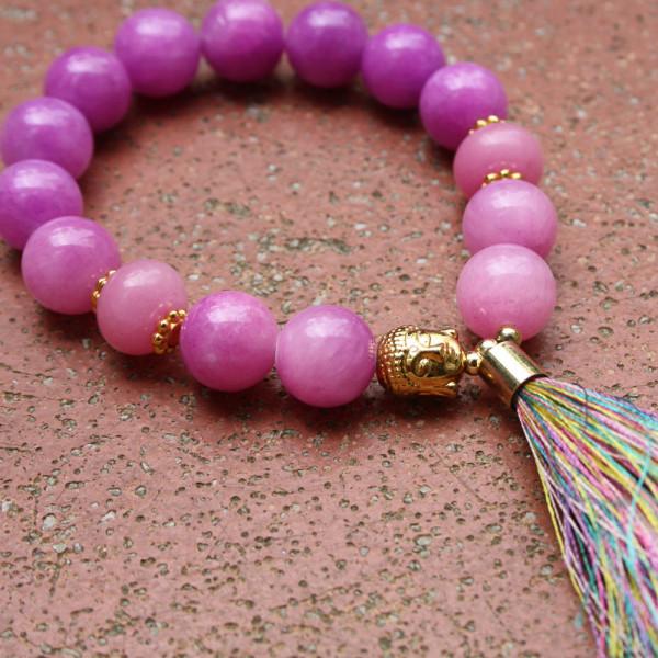 Armband kaufen Golden Buddha mit Seidenquaste aus pinkfarbener Malay Jade 600x600 - Armband Golden Buddha mit Seidenquaste aus pinkfarbener Malay Jade