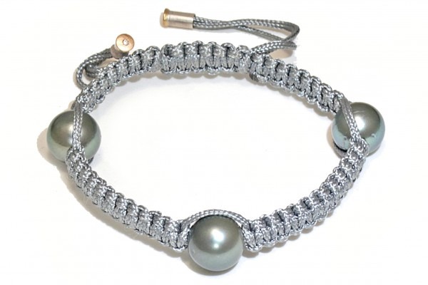"Armband mit 3 Tahiti Perlen Niau 600x400 - Armband ""Niau"" mit Tahiti-Perlen und Brillant"