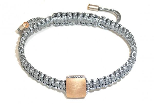 "Armband mit Gold und Brillant Anaa 600x405 - Armband ""Anaa"" mit Gold-Element und Brillant"