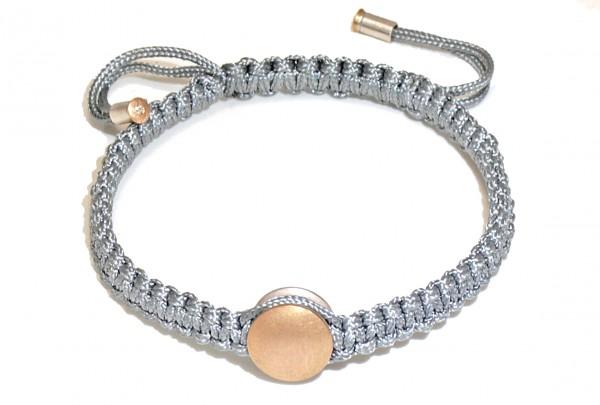 "Armband mit Gold und Brillant Manihi 600x405 - Armband ""Manihi"" mit Gold-Element und Brillant"