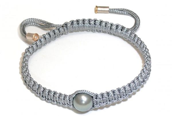 "Armband mit Tahiti Perle und Brillant Toau 600x405 - Armband ""Toau"" mit Tahiti-Perle und Brillant"