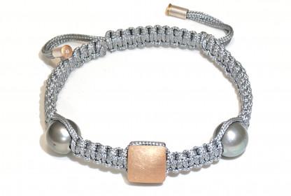 "Armband mit Tahiti Perlen Gold und Brillant Amanu 416x280 - Armband ""Amanu"" mit Tahiti-Perlen und Brillant"