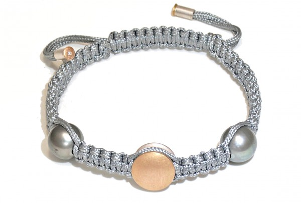 "Armband mit Tahiti Perlen Gold und Brillant Morane 600x405 - Armband ""Morane"" mit Tahiti-Perlen und Brillant"