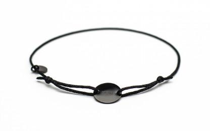 Armband mit Token MOIN schwarz schwarz bird frontansicht 416x260 - Token Armband MOIN in schwarz