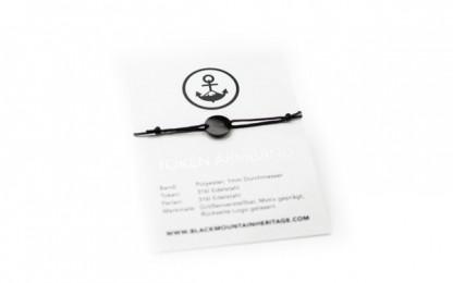 Armband mit Token MOIN schwarz schwarz bird verpackung 416x260 - Token Armband MOIN in Schwarz und Silber