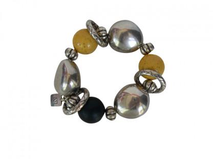 Armband mit gelben schwarzen Kugeln silberne Oliven und Silberringe 416x312 - Armband mit Kugeln, kleinen Oliven und Silberringen