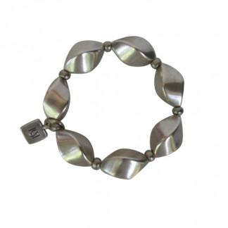 Armband mit kleinen silbernen Nüssen 324x324 - Armband Colourful Herz