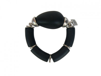 Armband mit schwarzen Boegen und silberner Olive 416x312 - Armband mit Bögen und großer Olive