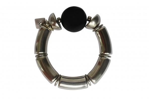 Armband mit silbernen Boegen Halbkugel und schwarzer Kugel 600x400 - Armband mit Bögen, roter Kugel und Halbkugel