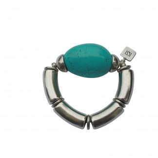 Armband mit silbernen Boegen Kaeppchen und türkisfarbener Olive scaled 324x324 - Armband mit Bögen, Käppchen und großer Olive