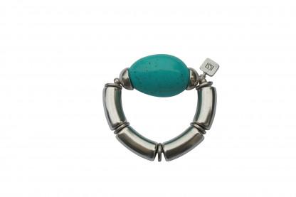 Armband mit silbernen Boegen Kaeppchen und türkisfarbener Olive scaled 416x277 - Armband mit Bögen, Käppchen und großer Olive