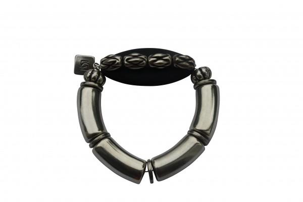 Armband mit silbernen Boegen Kordeln und schwarzem Spitzoval 600x400 - Armband mit Bögen, Spitzoval und Kordeln