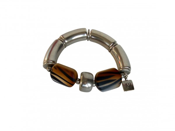 Armband mit silbernen Boegen Reifen und braunen Tigerprintbonbons 600x449 - Armband mit Bögen und Animalprint Bonbon