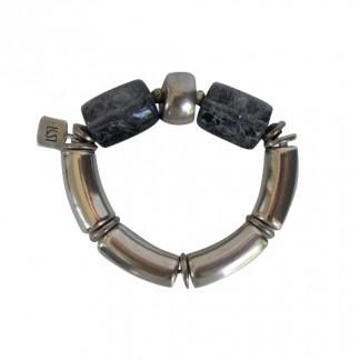 Armband mit silbernen Boegen Silberreifen und grau umnetzten Rollen 324x324 - Armband mit Bögen und Rollen