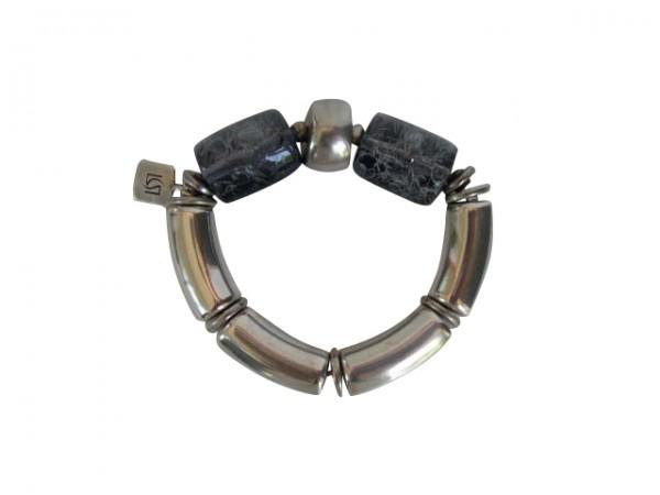 Armband mit silbernen Boegen Silberreifen und grau umnetzten Rollen 600x450 - Armband mit Bögen und Rollen