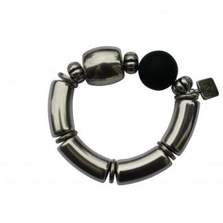 Armband mit silbernen Boegen Tonne und schwarzer Kugel scaled 324x324 - Armband mit Bögen und Triangel