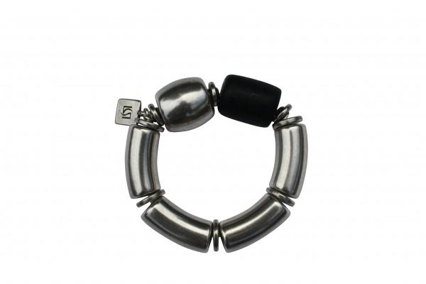 Armband mit silbernen Boegen Tonne und schwarzer Netzrolle 600x400 - Armband mit Bögen, Netzrolle und Tonne