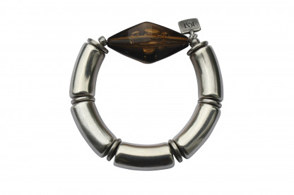Armband mit silbernen Boegen und bernstein klarer Rombe scaled 416x277 - Armband mit Bögen und großer Rombe