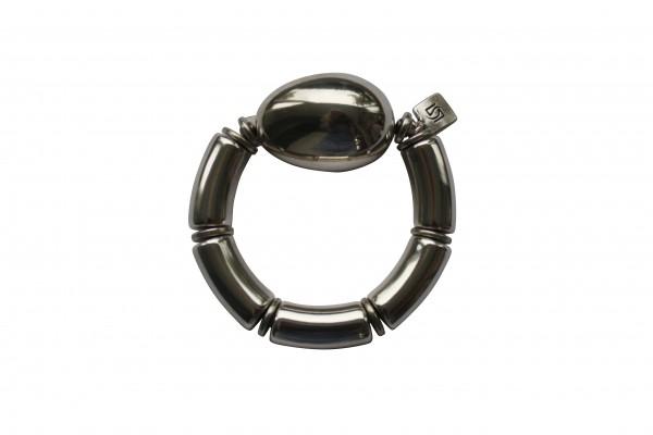 Armband mit silbernen Boegen und einer silbernen Olive 600x400 - Armband mit Bögen und großer Olive