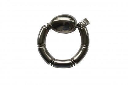 Armband mit silbernen Boegen und einer silbernen Olive scaled 416x277 - Armband mit Bögen und großer Olive