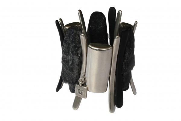 Armband mit silbernen Platten Staeben und Lavafelsplatte 600x400 - Armband mit Platten, Felsplatten und Stäben