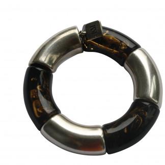 Armband mit silbernen Riesenboegen und bernsteinfarbenen Riesenboegen scaled 324x324 - Armband mit Riesenbögen