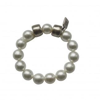 Armband mit weissen Perlen und silbernen Reifen scaled 324x324 - Armband mit Perlen und Reifen