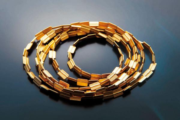 Bandkette kaufen Schmuck von Goldschmiedin gepraegt 600x399 - Bandkette aus Feinsilber