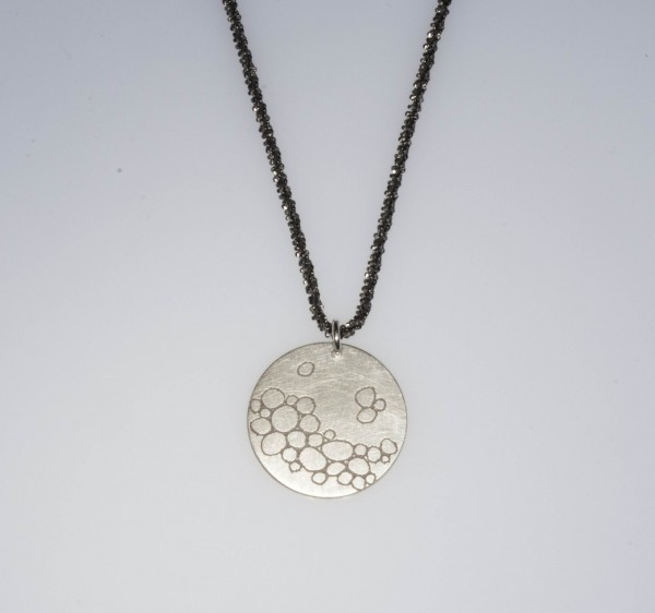 Bubbles Silberkette 600x562 - Halskette mit Anhänger bubbles Silber