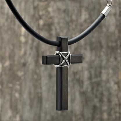 Carbon Schmuck Anhänger Monumentum 2 416x416 - Halskette mit Carbon-Anhänger 'Momentum Parvum'