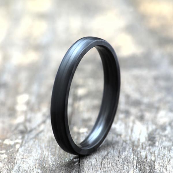 Carbon Schmuck Rasilis 3mm stehend 600x600 - Carbon-Ring 'Rasilis' 3mm