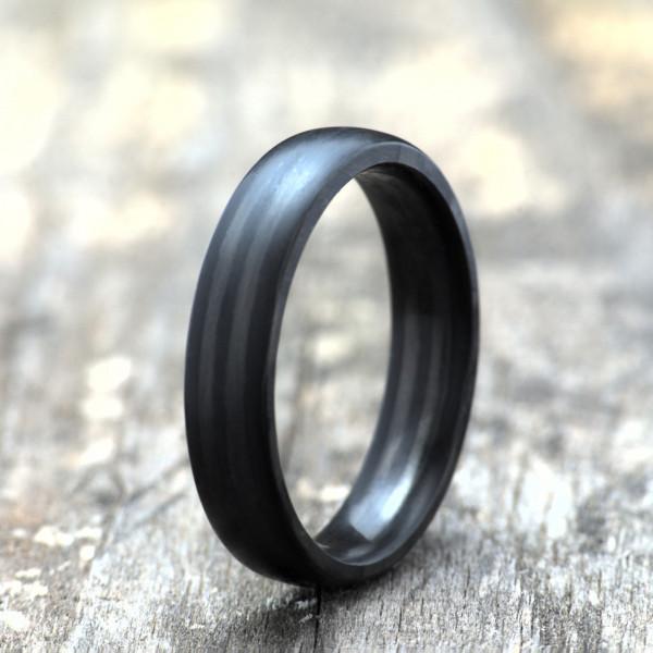 Carbon Schmuck Rasilis 5mm stehend 600x600 - Carbon-Ring 'Rasilis' 5mm