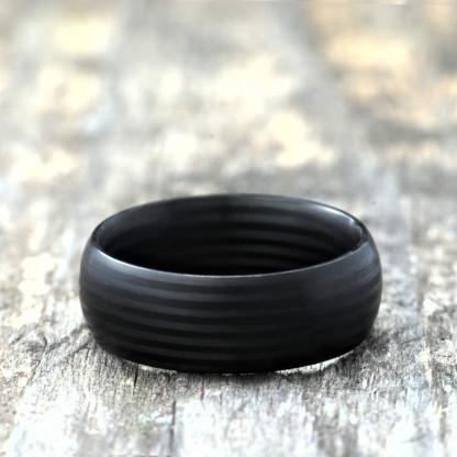 Carbon Schmuck Rasilis 8mm liegend 416x416 - Carbon-Ring 'Rasilis' 8mm