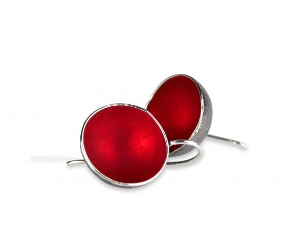 Designschmuck Ohrhänger Becherling 1 Becher rund rot Silber geschwärzt 600x460 - Ohrhänger 'Becherling' mit einem farbigen Becher