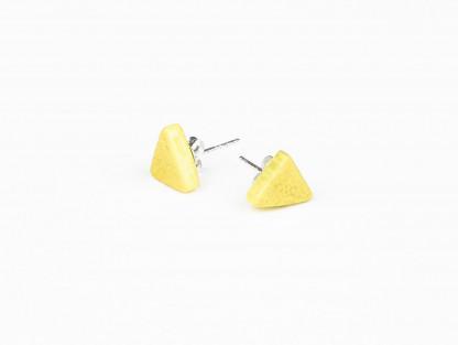 Designschmuck Ohrstecker aus Mangoholz dreieck Farbe zitrone 416x313 - Ohrstecker mit Dreieck aus Mangoholz (Farbauswahl)