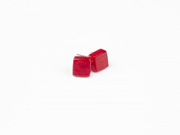 Designschmuck Ohrstecker aus Mangoholz quadrat Farbe himbeere 600x452 - Ohrstecker mit Quadrat aus Mangoholz (Farbauswahl)