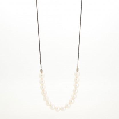 Designschmuck kaufen 16 Perlkette Halbundhalb groß 416x416 - Halskette mit Akoya Zuchtperlen