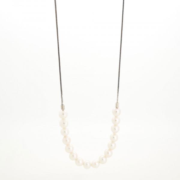 Designschmuck kaufen 16 Perlkette Halbundhalb groß 600x600 - Halskette mit Akoya Zuchtperlen