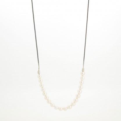 Designschmuck kaufen 16 Perlkette Halbundhalb klein 416x416 - Halskette mit Akoya Zuchtperlen