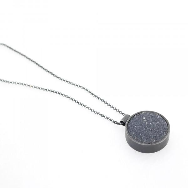Designschmuck kaufen 17 Anhänger kristalisierter Achat Halskette 600x600 - Halskette mit kristallisiertem Achat
