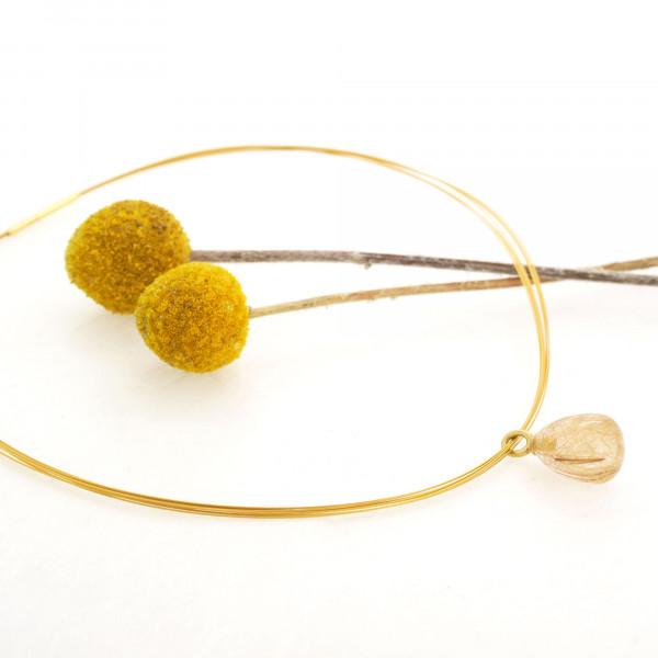 Designschmuck kaufen 20 1 Drop Rutilquarz gold Halsreif 600x600 - Drop - Halskette mit Rutilquarz mit goldenen Nadeln