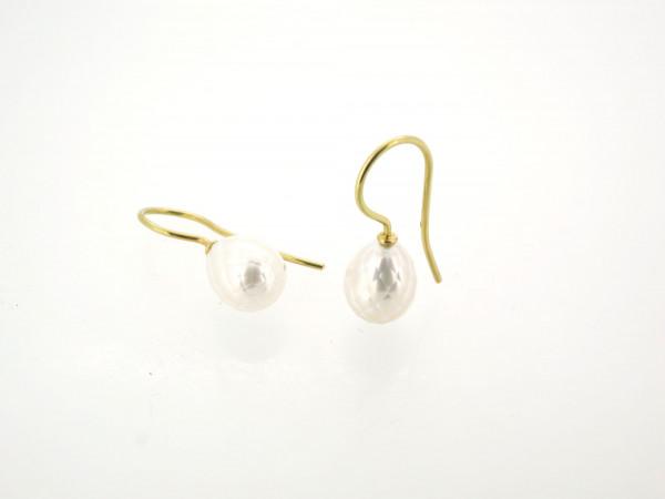 Designschmuck kaufen 29 Ohrhänger Süßwasser Zuchtperle facettiert 600x450 - Goldene Ohrhänger mit facettierter Süßwasserzuchtperle