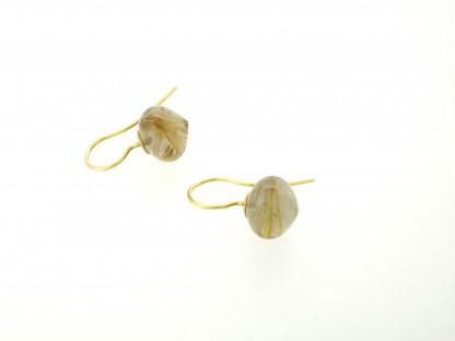 Designschmuck kaufen 31 Rutilquarz Ohrhänger 416x312 - Goldene Ohrhänger mit Onion-Cut Rutilquarz