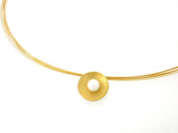 Designschmuck kaufen 5 Anhänger Schale Halskette silber gold plattiert 600x450 - Schale Elementar - Kettenanhänger mit Perle und Feingold