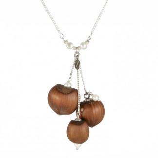 Dreifache Haselnuss Halskette mit Suesswasserperlen 1 324x324 - Dreifache Haselnuss-Halskette mit Süßwasserperlen