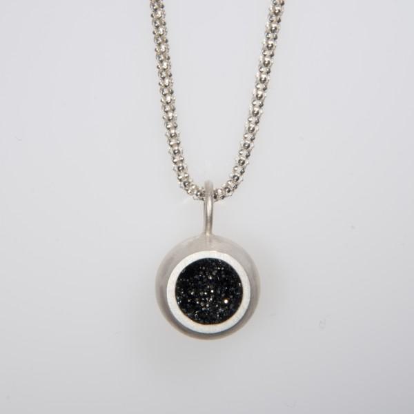Drusenkugel klein Silber an Popkornkette 600x600 - Halskette mit kleiner Drusenkugel Silber