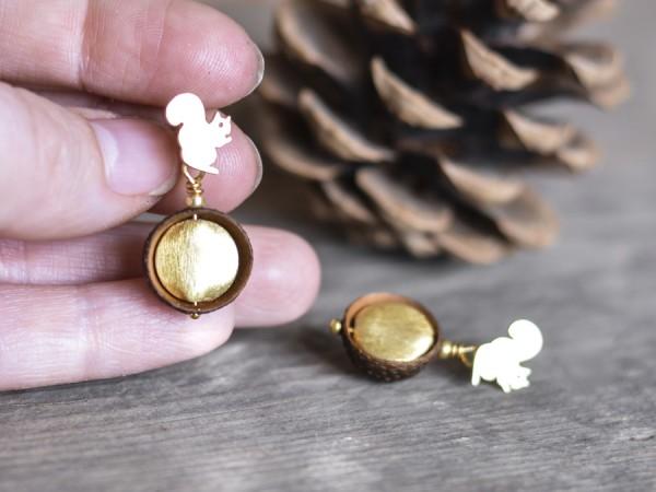 Eichelhut Ohrstecker Goldschatz mit Eichhoernchen 3 600x450 - Eichelhut-Ohrstecker Goldschatz mit Eichhörnchen