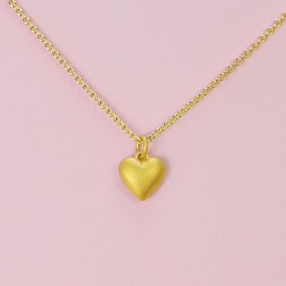 Goldener Herzanhänger aus 750er Gelbgold massiv gegossen mit goldener Kette online kaufen